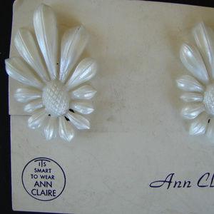 Vintage Earrings White Ann Claire Clip-on Earrings
